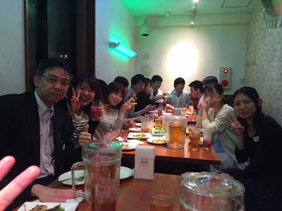 高室技師長と若者たち